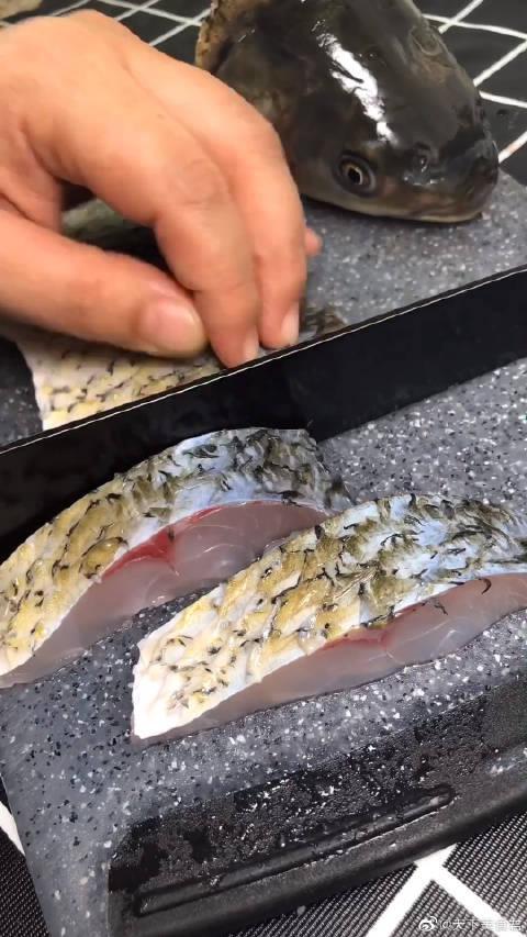 香辣鱼块这样做,简单下饭又好吃,学会了做给老公吃