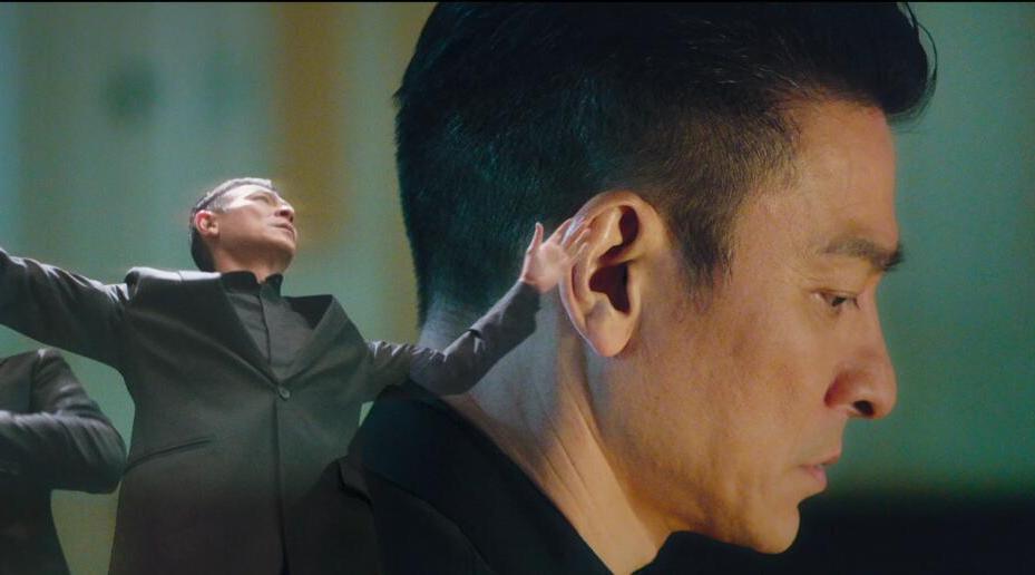 由刘德华监制并主演,关信辉执导的《热血合唱团》发布定档预告……
