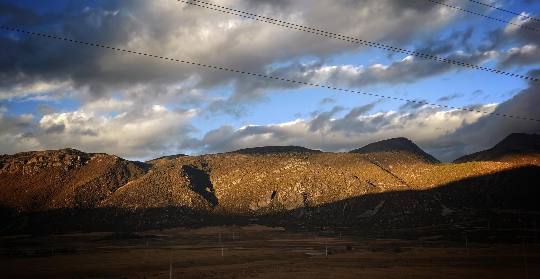 从成都去稻城亚丁的沿途风景都能把人美到爆……