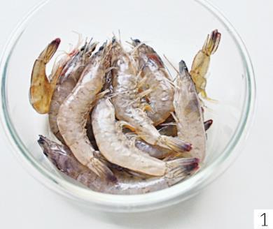 鲜虾别再清水煮了,加粉丝和萝卜炖一炖,鲜美滋补,营养翻倍