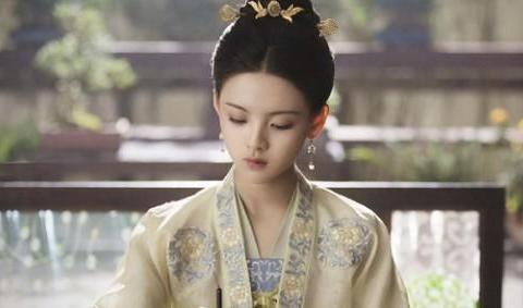 《长安诺》还未完结,杨超越又官宣新剧,女主才是收视保障!