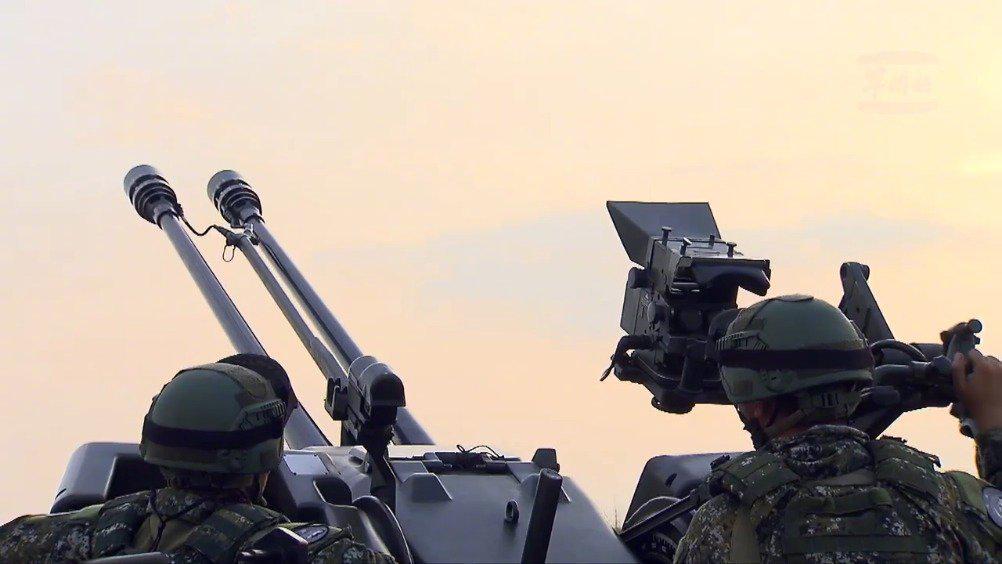 台湾空军公开视频影像——F-16的起飞与发射响尾蛇空空导弹