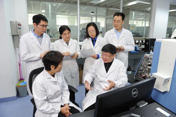 我军科学家贺福初院士荣获国际人类蛋白质组组织杰出成就奖