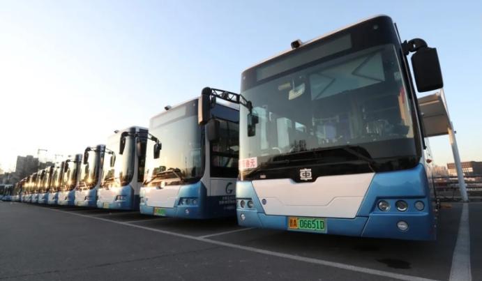 受和平南路施工影响 太原市14条公交线路临时调整