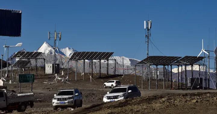 海拔5200多米!中国电信通讯基站建上雪山垭口