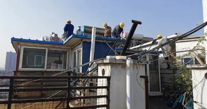 武汉市武昌区集中拆除一小区楼顶违建