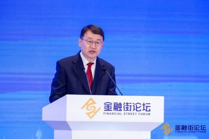 """银保监会副主席梁涛:威胁金融安全的""""灰犀牛""""得到了控制"""