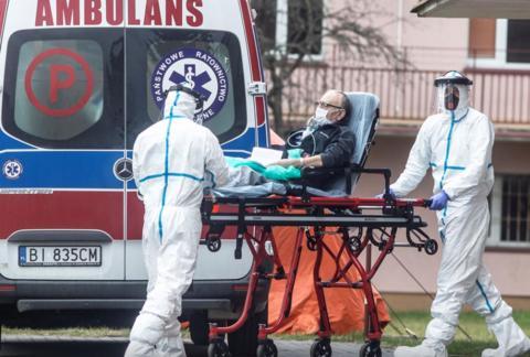 """至少26国日增确诊超千例 美国多地疫情呈现""""糟心趋势""""图片"""