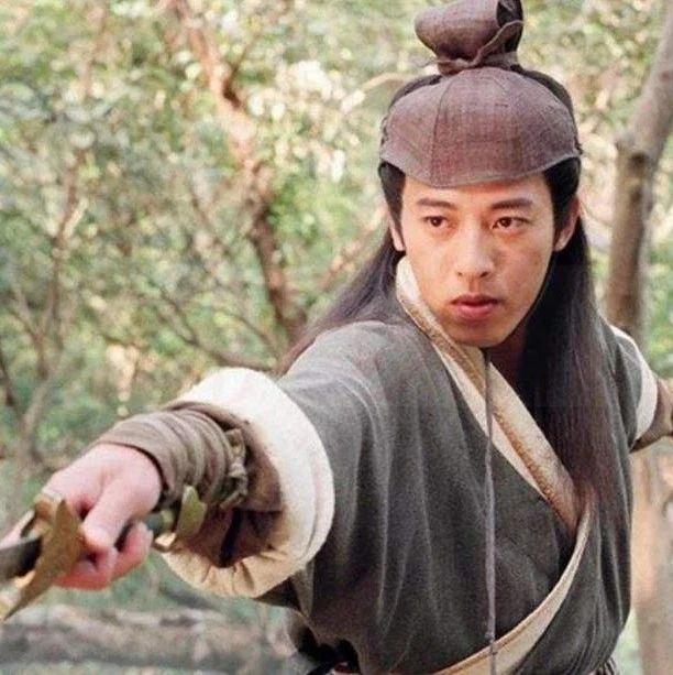 同样英雄救美,为啥令狐冲成一代剑神,林平之却身残眼盲不人不鬼?