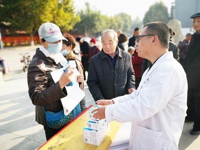 万荣县举办医疗器械安全使用宣传活动