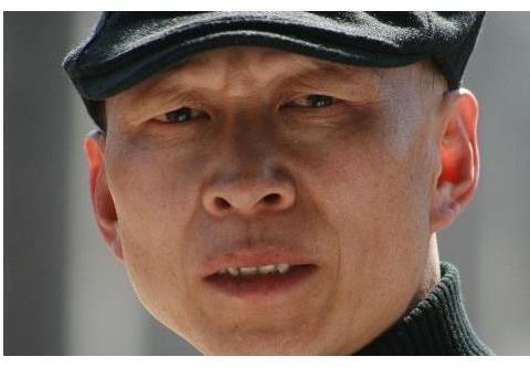 他和陈坤等大咖是同学,因长得丑只能演反派