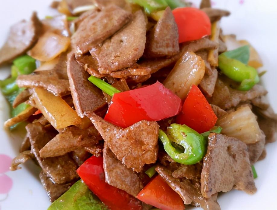 炒猪肝别只会腌制,注意1个细节,猪肝鲜嫩不老,和饭店一个味道