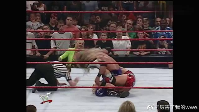 WWE:自古英雄难过美人关,美女心机引诱……