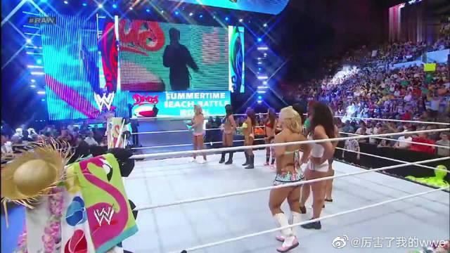 WWE:众多女选手争奇斗艳,女经理不请自来,如同过街老鼠被群殴