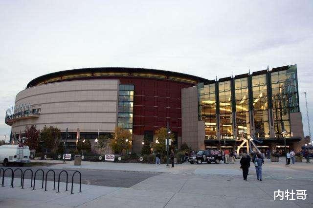 丹佛掘金队主场球馆正式更名为波尔球馆
