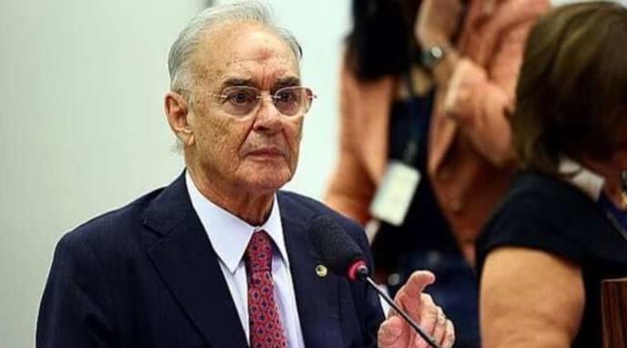巴西国会首位新冠死亡病例:一名83岁的参议员