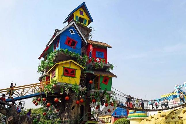 重庆一新心旅游景点确定搬迁,贵为城市地标,吸引大量外国游客