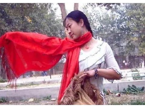 43岁芙蓉姐姐曝近况,肤白貌美华丽蜕变,身价过亿曾表白王宝强