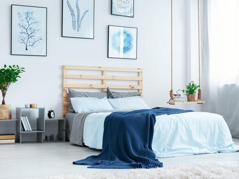 卧室不放床头柜,这些设计更潮流,设计师都这样搭配