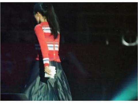 著名歌手田震近照曝光,54岁逆龄生长不显老,肤白貌美令人羡慕
