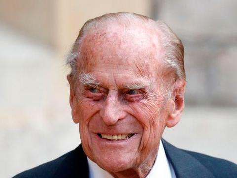 菲利普亲王明年百岁寿辰,女王或亲自写信祝贺,但确切日期有争议