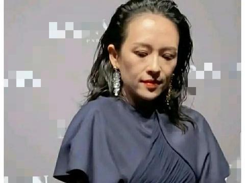 41岁章子怡产后复出大变样,网友直呼:二胎对女性容貌太摧残