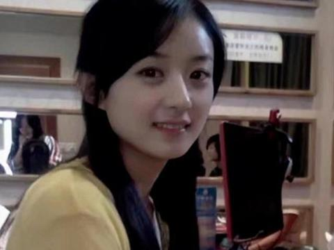 女星18岁时的模样,孔雪儿好看到认不出,看到杨颖:比现在还美!