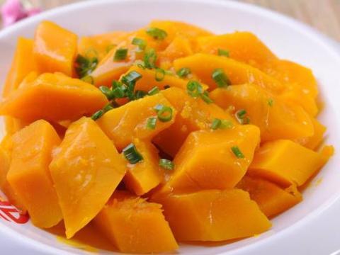 美食:香辣回锅肉,胡萝卜珍珠丸子,蒜香肉末烧豆腐,炒南瓜