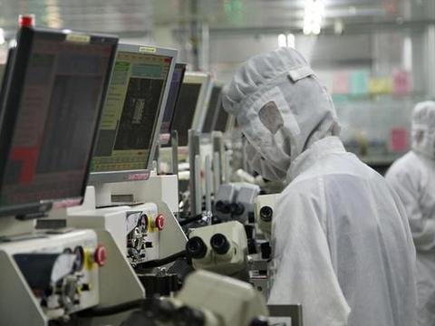 物理专业本科生想读研微电子专业,该出国读研还是在国内读研
