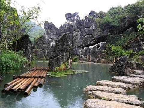 """贵州""""超级盆景""""走红,溶洞奇特堪称一绝,距黄果树瀑布仅6公里"""