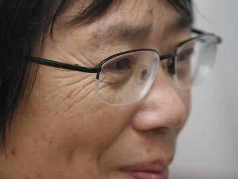 云南华坪女中校长张桂梅,大山里的星星之火,虔诚的推车人