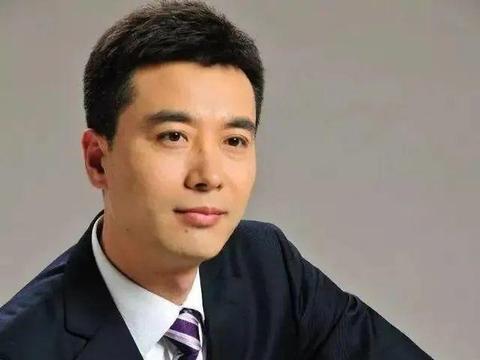 《新闻联播》颜王郭志坚,儿子孝顺让他欣慰,对父母愧疚至深