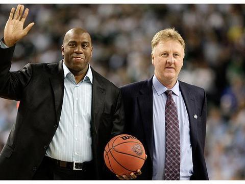 假设同样897场,勒布朗詹姆斯和拉里伯德谁的NBA历史地位更高