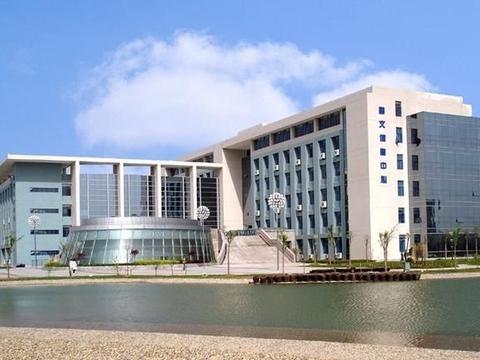 华东本科院校,徐州工程学院和蚌埠医学院,虎斗龙争