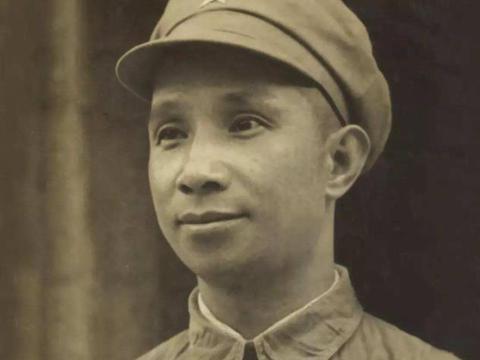 楚青:十五岁从军,令粟裕一见钟情,苦求三年方得,后93岁去世