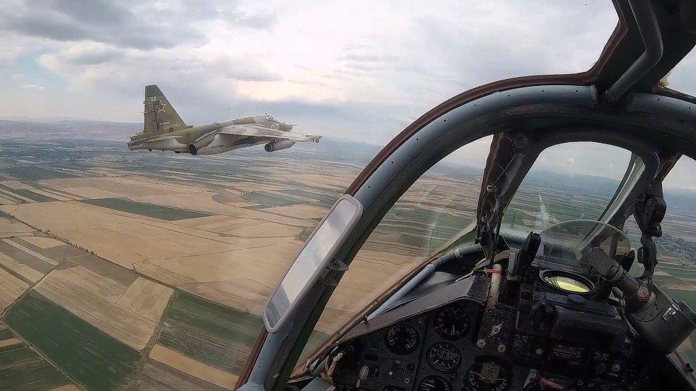 俄罗斯驻吉尔吉斯斯坦康德空军基地Su-25SM攻击机的飞行训练