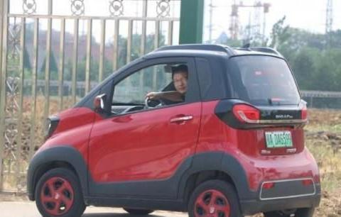 宝骏E100提车分享,小巧灵活每公里成本6分,是真的省!