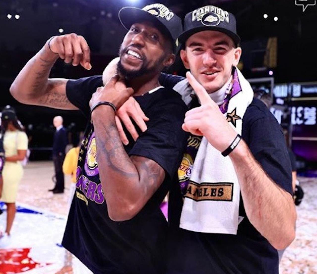 16場+4輪系列賽,一人頂一隊,誰都想得到你,老詹有你真幸福!-黑特籃球-NBA新聞影音圖片分享社區