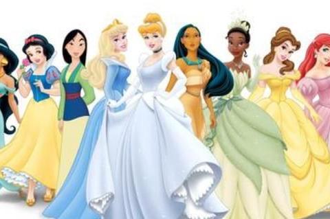 露肩造型多迷人?迪士尼公主告诉你,艾莎红唇诱惑,木兰回眸倾城