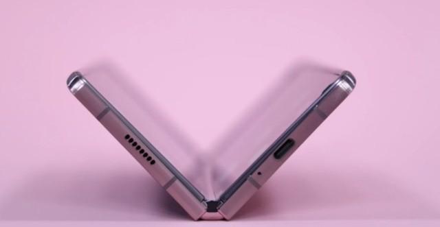 韩媒:三星Galaxy Z Fold 3,拥有更厚UTG玻璃+配备SPen