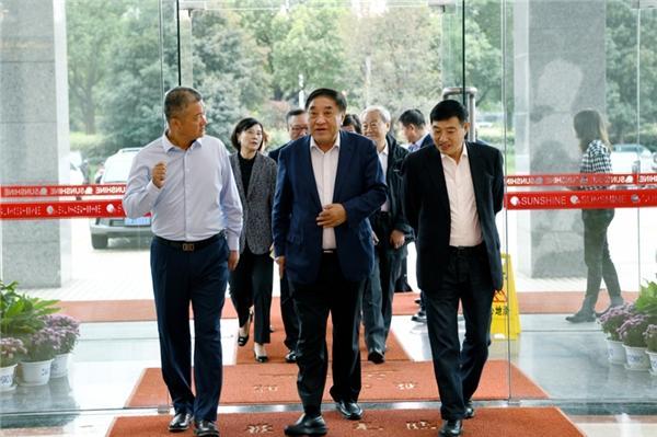 中国纺联三代会长齐聚江苏阳光,期待阳光引领行业重构新优势