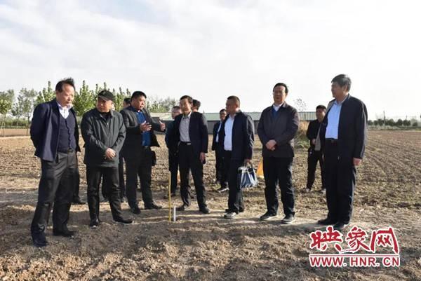 国家统计局河南调查总队副总队长郭学来到平舆县调研