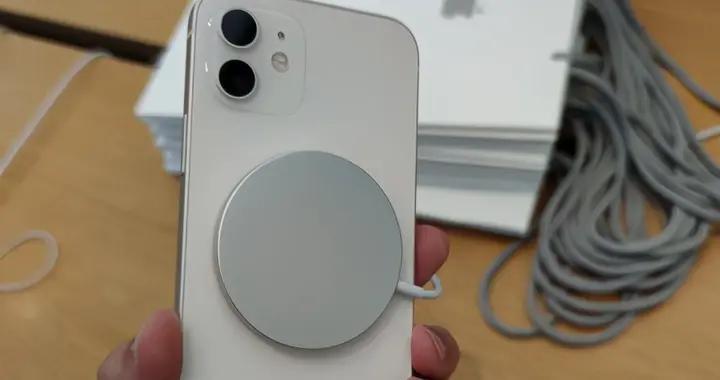 就是个样子货!苹果磁吸无线充电实测:比20W快充慢一倍