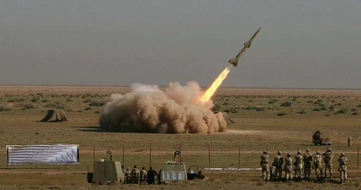 大批导弹部署波斯湾沿岸,划80万平方公里禁飞区,美:有种试试