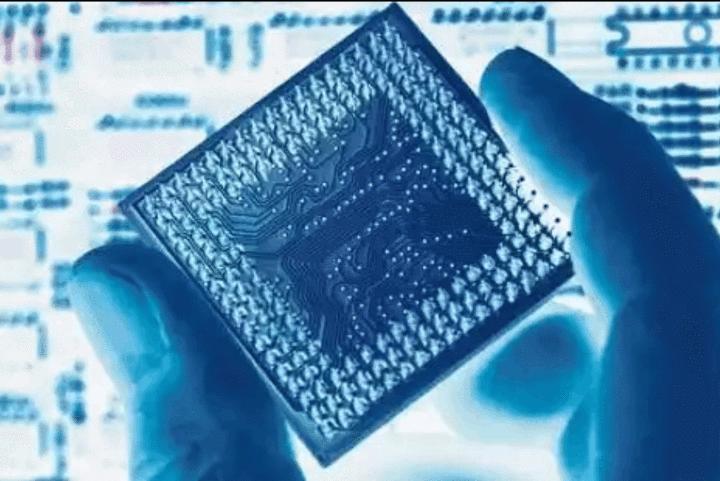 国产芯片传来重大消息,第一所芯片大学诞生,比尔盖茨所言非虚