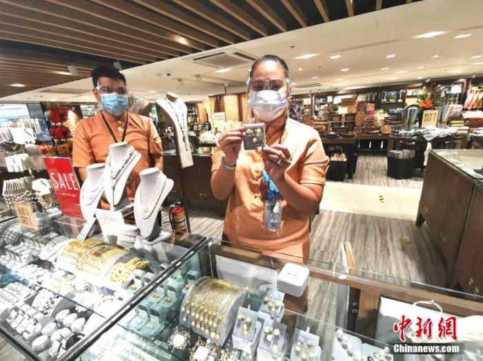 马尼拉机场国际航班日入境旅客减少至两千五人
