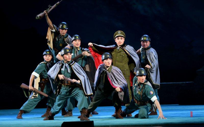 重现经典辉煌,山东省京剧院精雕细琢复排现代京剧《奇袭白虎团》