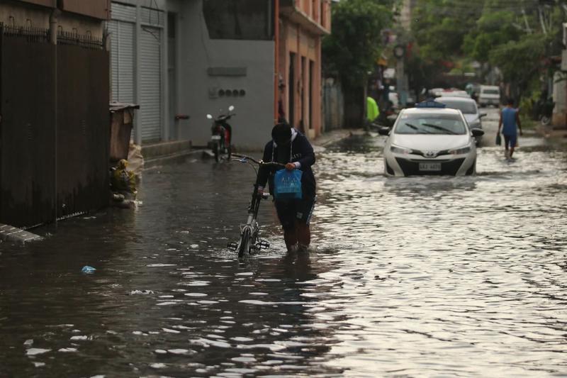 """热带低压""""奎因塔""""3天后登陆菲律宾,或将发展为今年第18号台风"""