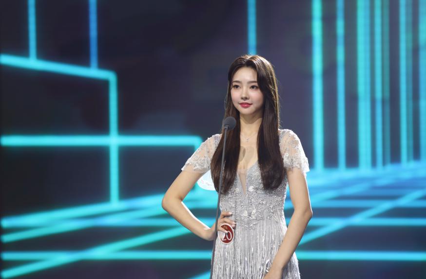 今年韩国小姐冠军,是她。图片