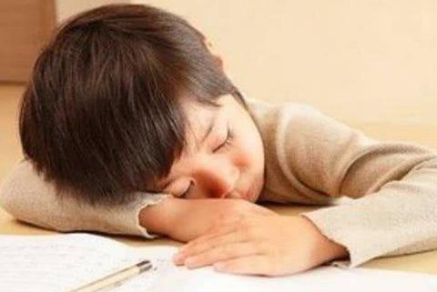 """如果孩子们不喜欢学什么?父母使用""""鸟笼效应"""""""
